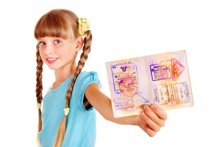 Нужен ли загранпаспорт ребёнку до 14 лет?