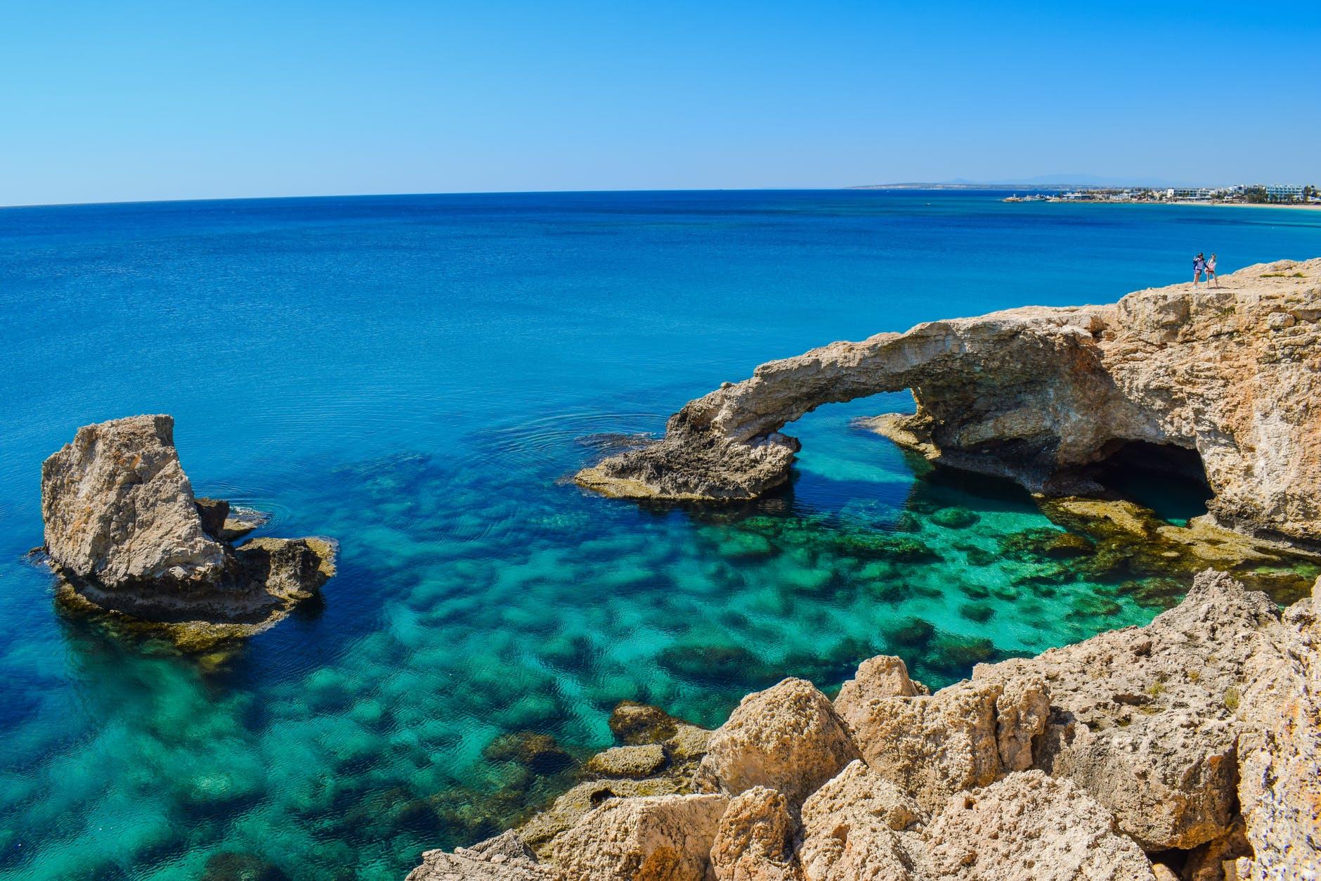 Оформление визы на Кипр для россиян в 2019 году.