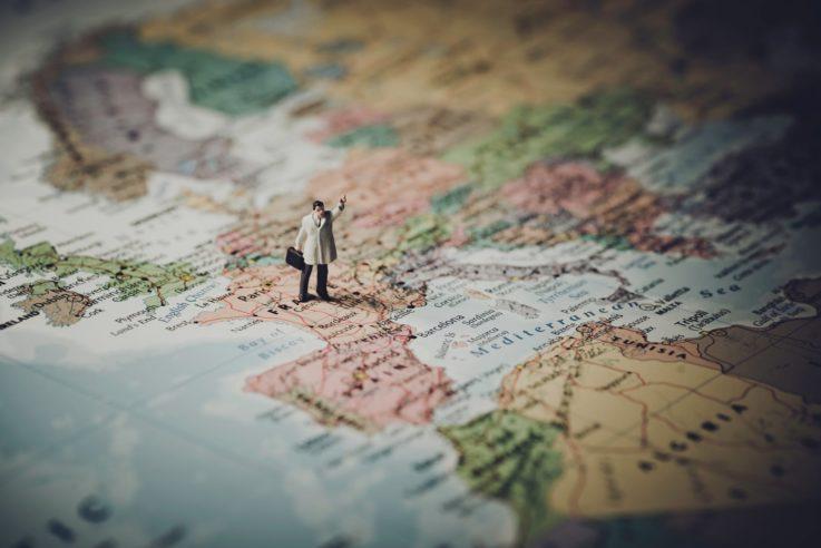 Где легче получить гражданство?